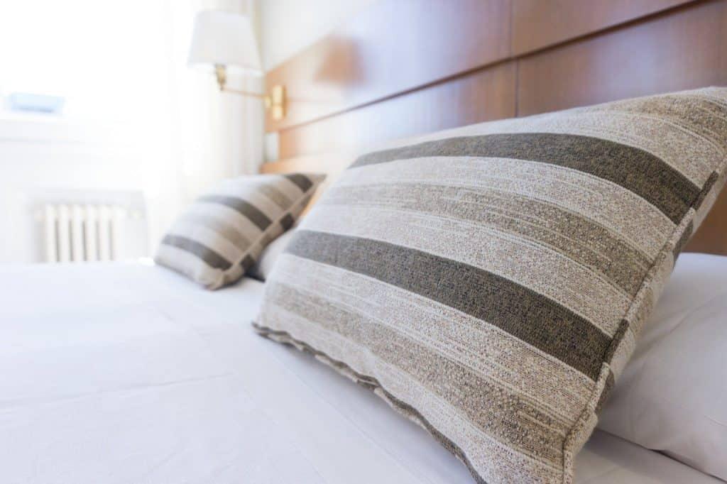 כריות למיטה